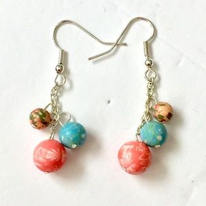 Viva beads dangle earrings